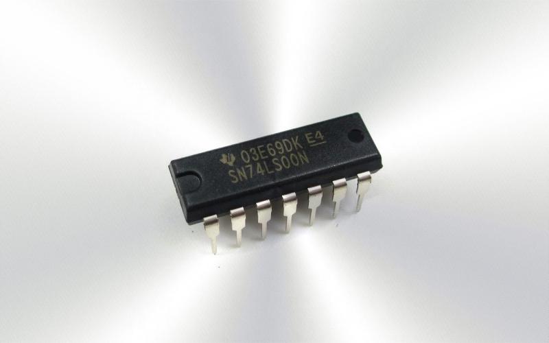 74LS00 -Circuito integrado cuatro puertas NAND dos entradas PDIP -7075-0015-