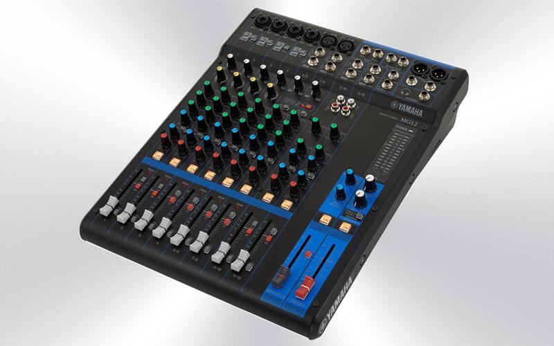 MG12 - Mesa de mezclas 12 canales Yamaha (4 mono + 4 ST/6 mic) -0005-0000-