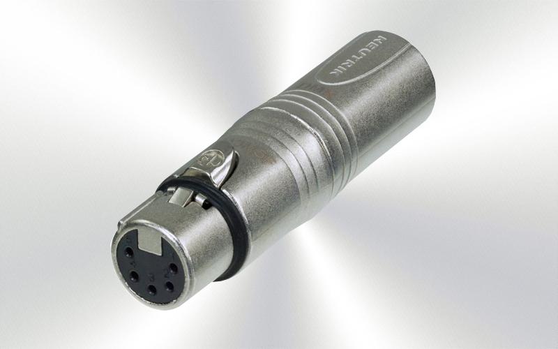 NA3M5F -ADAPTADOR NEUTRIK  XLR3m a XLR5h -0030-0012-