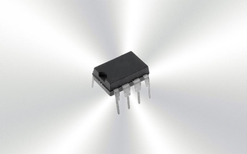 TL431CP -Referencia de Tensión, Precisión, Paralelo - Ajustable, Serie TL431, 2.495V a 36V -6975-0015-