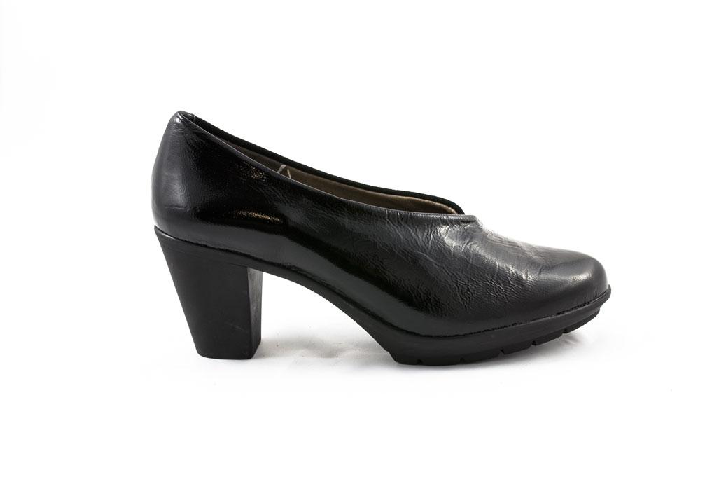 Zapato abotinado María Jaén 1588