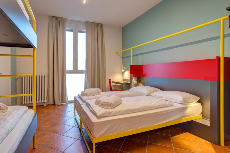 Enterrement de vie de jeune fille à Milan Hôtel avec Crazy EVJF