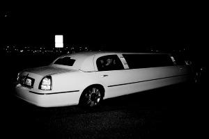 Hover Limo (4pers)  pour mon EVG à Bucarest | Enterrement de vie de garçon | idée enterrement de vie de garçon | activité enterrement de vie de garçon | idée evg | activité evg