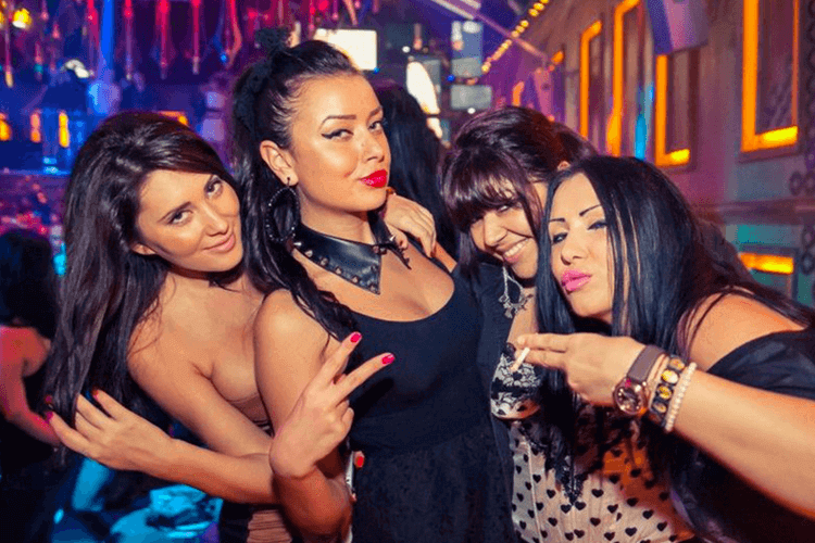 VIP Party Area & Drinks  for my Liverpool Hen Party | Maximise Hen Weekends