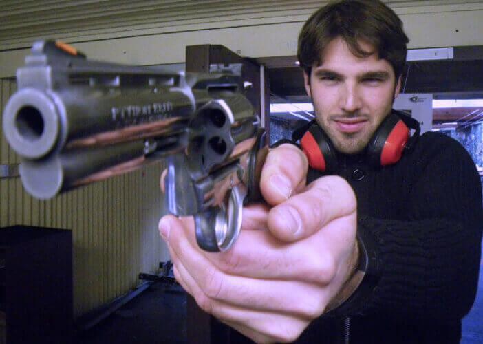 Shooting Pistolets pour mon EVG à Cracovie | Enterrement de vie de garçon | idée enterrement de vie de garçon | activité enterrement de vie de garçon | idée evg | activité evg