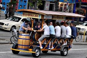 Beer Bike à Amsterdam EVG