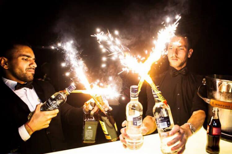 boîte & bouteilles, boite et bouteilles, table et bouteilles, boite de nuit, club reservation, evg, activité enterrement de vie de garçon