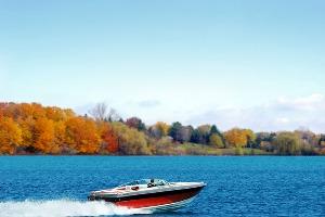 Speed Boat pour mon EVG à Bucarest | Enterrement de vie de garçon | idée enterrement de vie de garçon | activité enterrement de vie de garçon | idée evg | activité evg