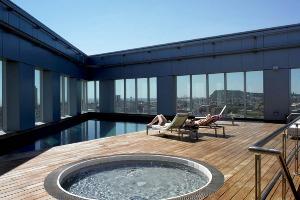 Hôtel 4* avec Piscine pour mon EVG à Barcelone | Enterrement de vie de garçon | idée enterrement de vie de garçon | activité enterrement de vie de garçon | idée evg | activité evg