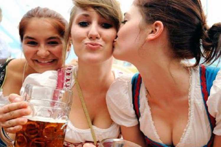 German Beer, Cruise Hamburg, Hamburg Stag Do Booze Cruise, Stag Do Cruise Germany, Hamburg Nights Out Stag Do, Hamburg Stag Do