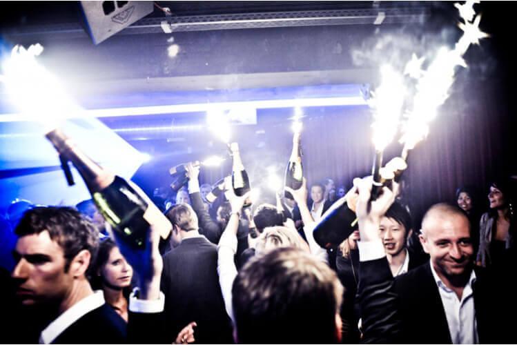 Enterrement de vie de garçon à Berlin Club VIP avec Crazy EVGay