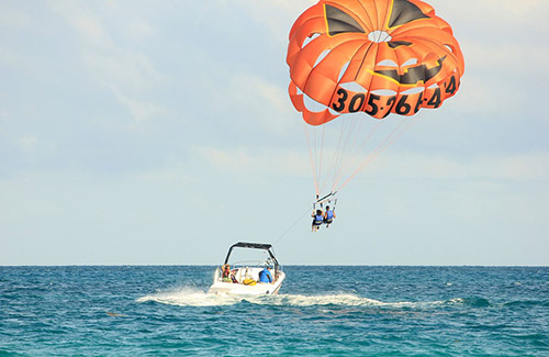 Parasailing  for my Benidorm Stag Do | Maximise Stag Weekends