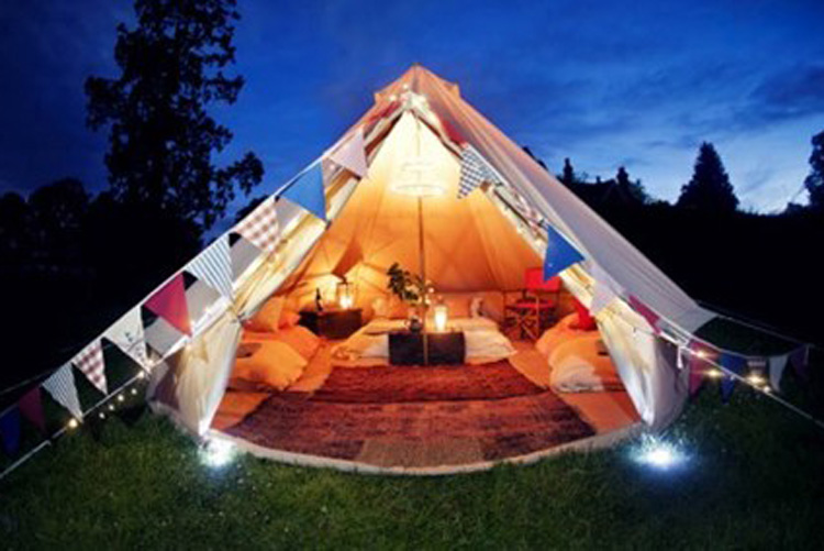 Glamping London for your hen weekend with hen Maximise