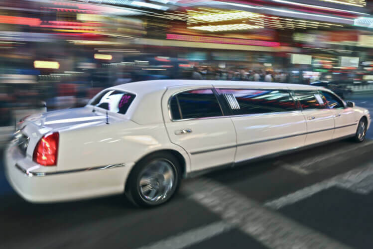 Lincoln Limousine Tour for my Valencia Hen Do | Maximise Hen Do