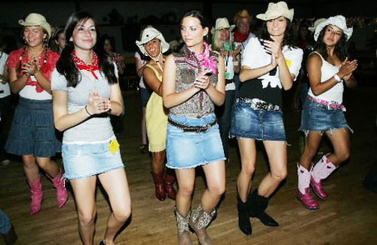 Line Dancing Hen Party for my Glasgow Hen Party | Maximise Hen Weekends