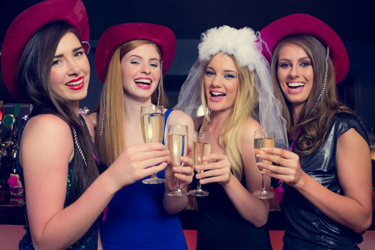 Liverpool hen party, Liverpool hen party ideas, Liverpool hen party activities, Liverpool hen do ideas, Liverpool hen do activities, Liverpool hen weekend activities, Liverpool hen weekend ideas, Maximise hen weekends, hen do, Liverpool hen weekend, Liverpool Hen Weekend Package Ideas