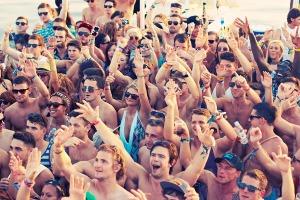 Boat Party pour mon EVG à Barcelone | Enterrement de vie de garçon | idée enterrement de vie de garçon | activité enterrement de vie de garçon | idée evg | activité evg