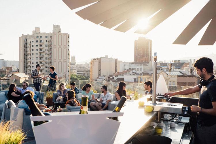 Best rooftop bars in Barcelona, Barcelona hen party, Barcelona hen party ideas, Barcelona hen do ideas, Barcelona hen weekend ideas, Maximise hen weekends, hen do, where to drink in Barcelona