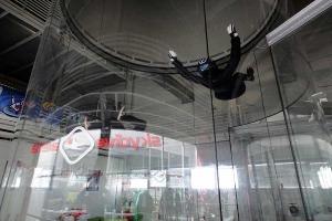 Enterrement de vie de garçon avec Crazy EVG-Prague-Chute libre indoor
