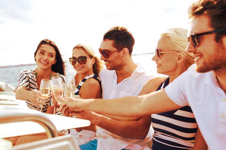 croisière apero, croisière aperitif, croisiere open bar, croisiere fleuve, evg, activité enterrement de vie de garçon