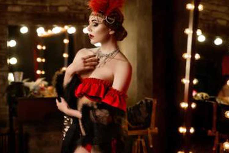 Gold Cabaret Package for my Brighton Hen Party | Maximise Hen Weekends