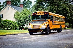 Airport Transfer American Schoolbus für meinen JGA in Cologne | Junggesellenabschied