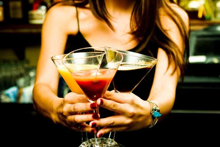 Cocktail Making for my Hvar Hen Do | Maximise Hen Do
