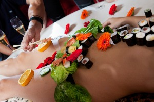 Body Sushi  pour mon EVG à Prague | Enterrement de vie de garçon | idée enterrement de vie de garçon | activité enterrement de vie de garçon | idée evg | activité evg