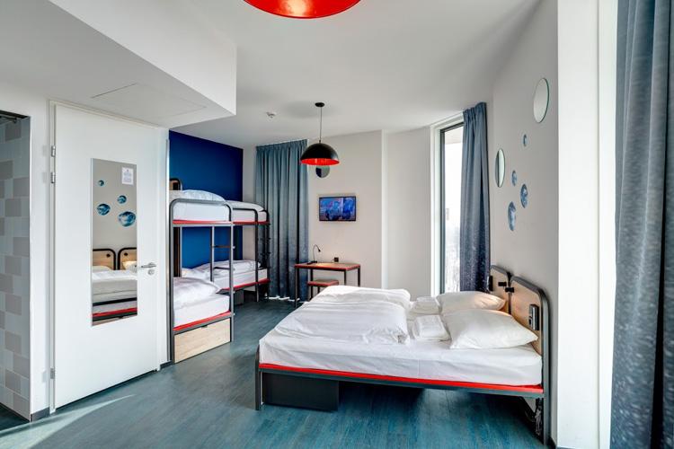 Hôtel à Amsterdam pour votre enterrement de vie de jeune fille avec Crazy EVJF