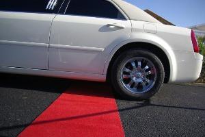 Chrysler Limousine  pour mon EVG à Montpellier | Enterrement de vie de garçon | idée enterrement de vie de garçon | activité enterrement de vie de garçon | idée evg | activité evg