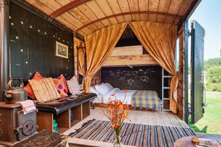 Glamping Newcastle for your hen weekend with hen Maximise