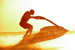 Jet Ski pour mon EVG à Montpellier | Enterrement de vie de garçon | idée enterrement de vie de garçon | activité enterrement de vie de garçon | idée evg | activité evg
