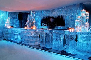 Ice Bar + Club mit Crazy-Junggesellinnenabschied in Prag
