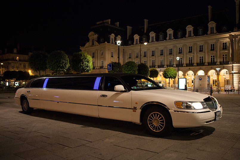 Limo Airport Transfer for my Stuttgart Hen Party | Maximise Hen Weekends