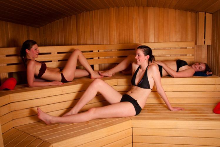 Enterrement de Vie de Jeune Fille à Bruxelles Spa privé Massage et Cava