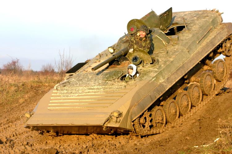 Conduite de char d'assaut pour mon EVG à Prague