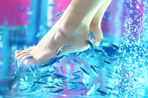 Fish Spa Pedicure  for my Berlin Hen Party | Maximise Hen Weekends