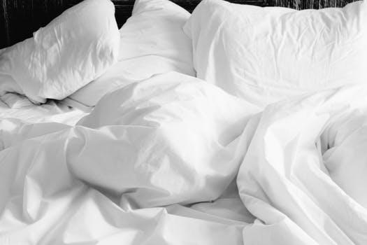 Combat d'oreillers sexy pour mon EVG à Madrid | Enterrement de vie de garçon | idée enterrement de vie de garçon | activité enterrement de vie de garçon | idée evg | activité evg