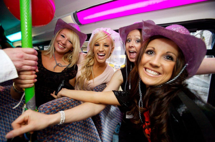 Party Bus Bar Crawl, Party on a bus in London