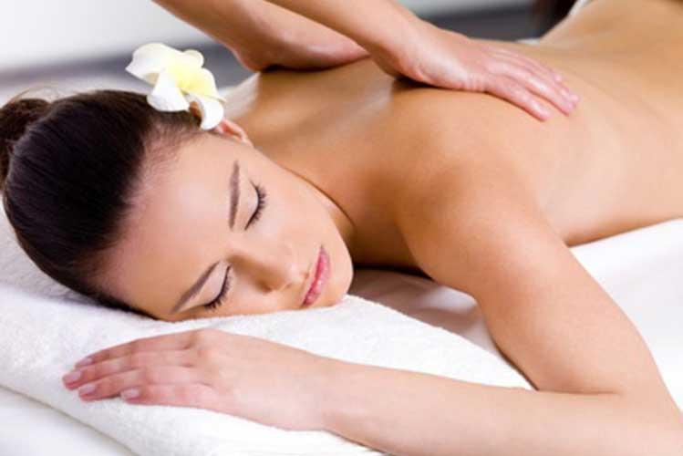 Spa + massage Valencia hen do Maximise