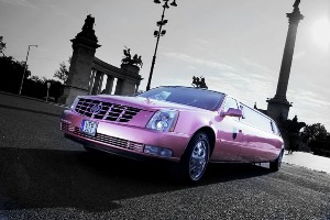 Transfert Cadillac Limo (8pers) pour mon EVG à Budapest | Enterrement de vie de garçon | idée enterrement de vie de garçon | activité enterrement de vie de garçon | idée evg | activité evg