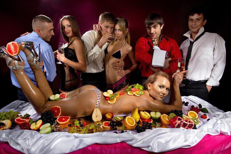 Enterrement de vie de garçon - strip bar privatisé Crazy-evG