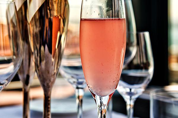 Bar Lounge & drinks pour mon EVG à Naples | Enterrement de vie de garçon | idée enterrement de vie de garçon | activité enterrement de vie de garçon | idée evg | activité evg