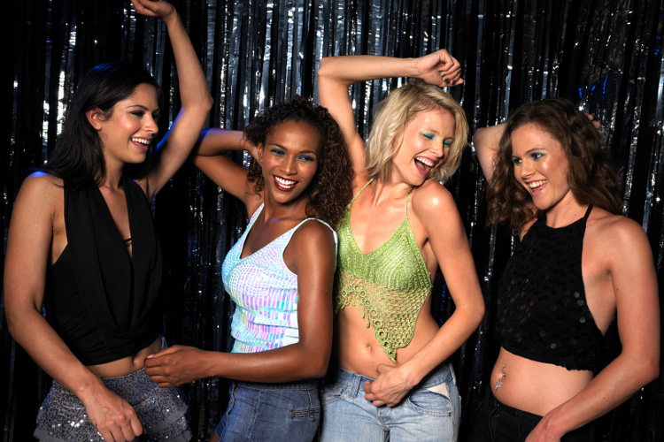 90s Dance Party Newcastle for your hen weekend with hen maximise