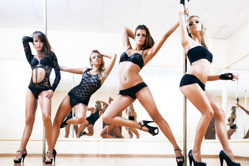 Pole Dancing Class for my Lisbonne Hen Party | Maximise Hen Weekends