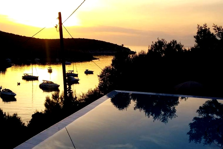Villa with Private Pool for my Hvar Hen Party | Maximise Hen Weekends