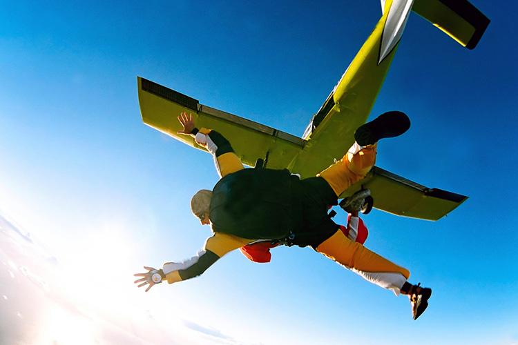 saut en parachute pour mon evg  u00e0 budapest