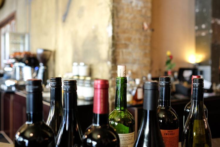 Käseverkostung und Wein für den JGA in Amsterdam