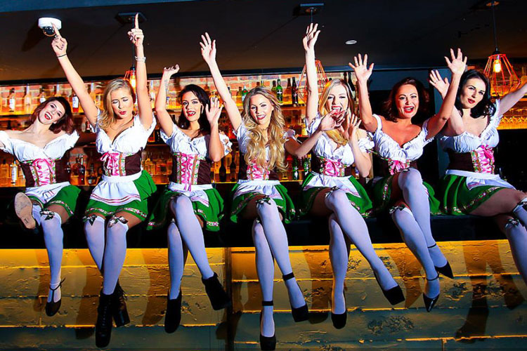 Bar Crawl with Beer Maid Beauties Manchester for your stag weekend with stag Maximise