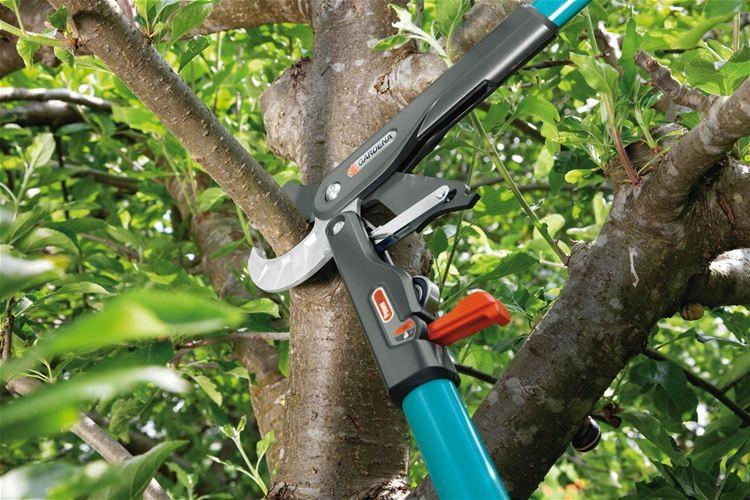 Gardena Ráčnové nůžky na větve SmartCut Comfort
